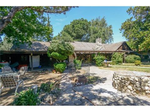 9540 Burnet Ave, North Hills, CA 91343