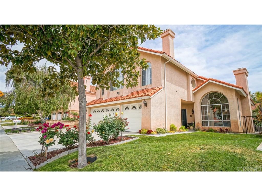 28832 Woodside Dr, Santa Clarita, CA 91390