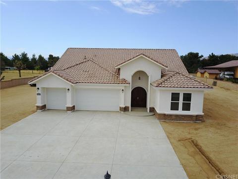 1532 W Ave, Palmdale, CA 93551