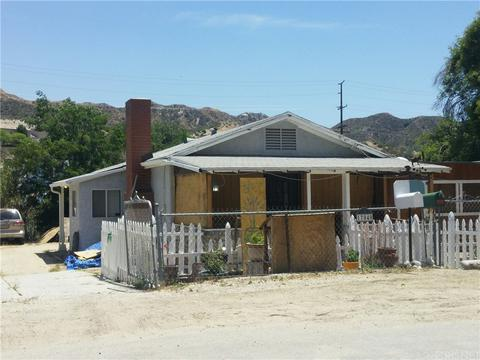17040 Forrest St, Canyon Country, CA 91351