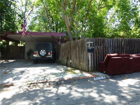 4252 Tosca Rd, Woodland Hills, CA 91364