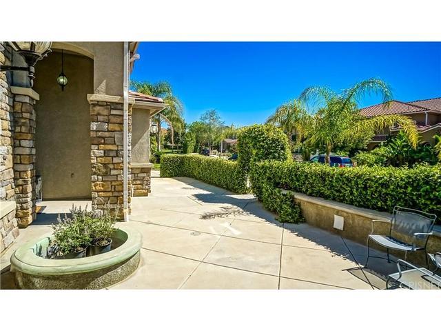 29559 Hacienda Dr, Valencia, CA 91354