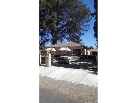 11451 Calvert St, North Hollywood, CA 91606