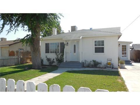 2965 Desert St, Rosamond, CA 93560