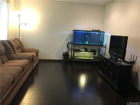 6908 Remmet Ave #10, Canoga Park, CA 91303