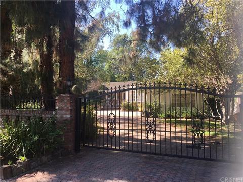 23385 Ostronic Dr, Woodland Hills, CA 91367