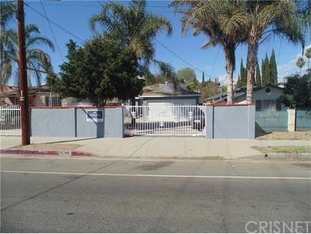 15745 Lassen St, North Hills, CA 91343