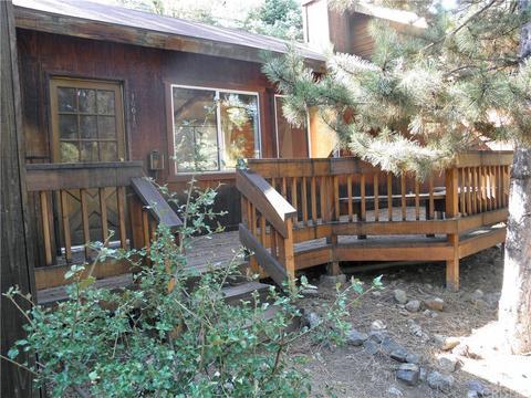 2120 Bernina Dr, Pine Mountain Club, CA 93222