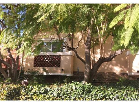 14249 Dickens St, Sherman Oaks, CA 91423