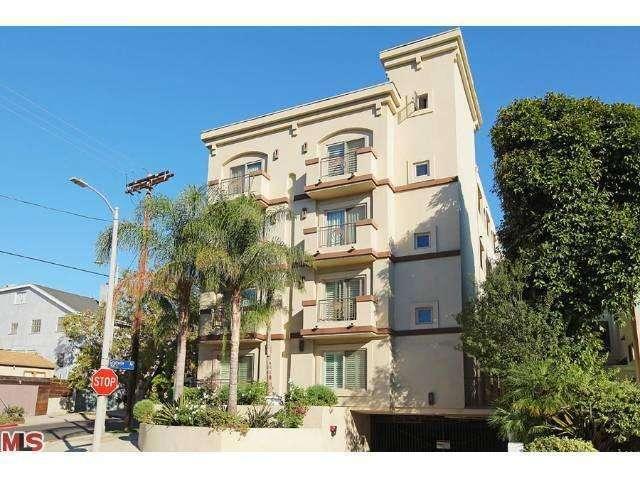 951 Granville Ave #302, Los Angeles, CA 90049