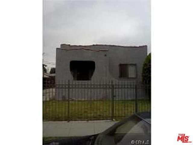 122 W 95th St, Los Angeles, CA 90003