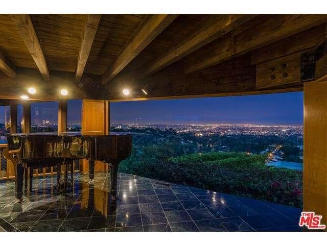 1210 Chickory Ln, Los Angeles, CA 90049
