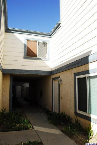 31315 The Old Rd #C, Castaic, CA 91384