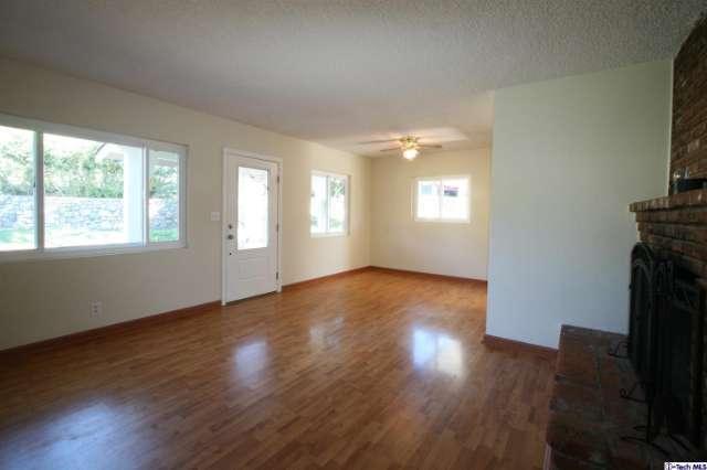 2710 Mayfield Ave, La Crescenta, CA