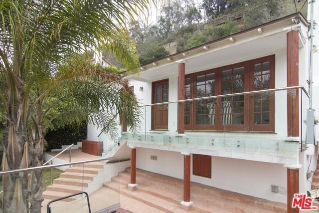 386 Entrada Dr, Santa Monica, CA 90402