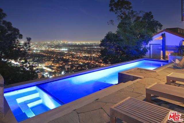 8570 Hillside Ave, Los Angeles City, CA 90069