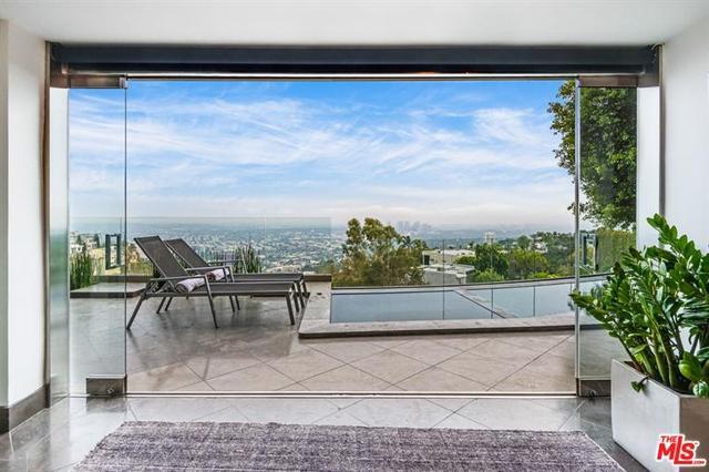 1724 Viewmont Dr, Los Angeles City, CA 90069