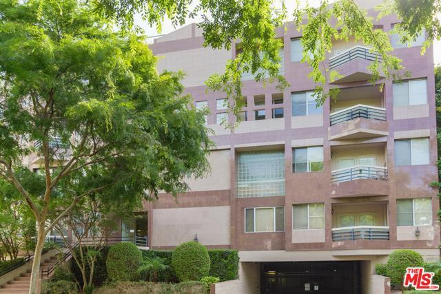 120 S Crescent Dr #304, Beverly Hills, CA 90212