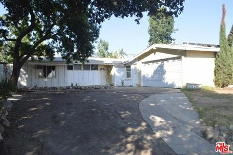 13644 Chivers Ave, Sylmar, CA 91342