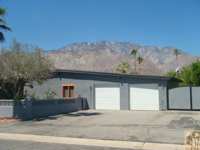 2205 N Cerritos Dr, Palm Springs, CA 92262