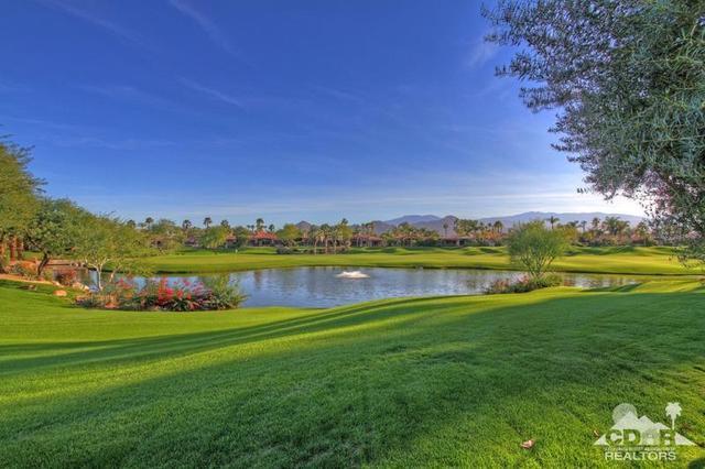 979 Mesa Grande Dr, Palm Desert, CA 92211