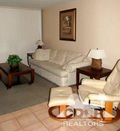 675 N Los Felices Cir #APT 115, Palm Springs, CA
