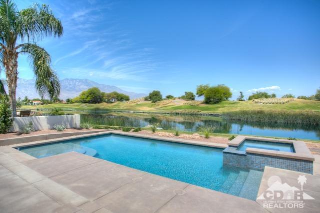 374 Loch Lomond Rd, Rancho Mirage, CA 92270