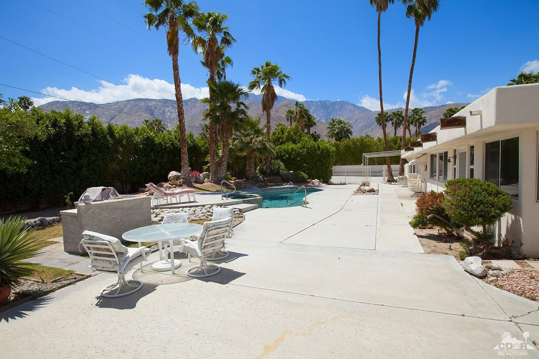 303 W Via Escuela, Palm Springs, CA