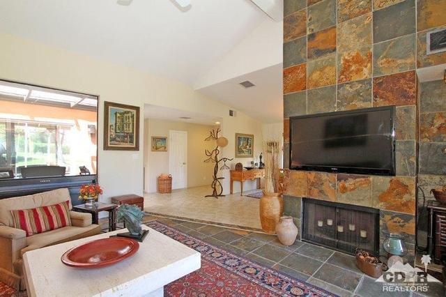 134 Las Lomas, Palm Desert, CA