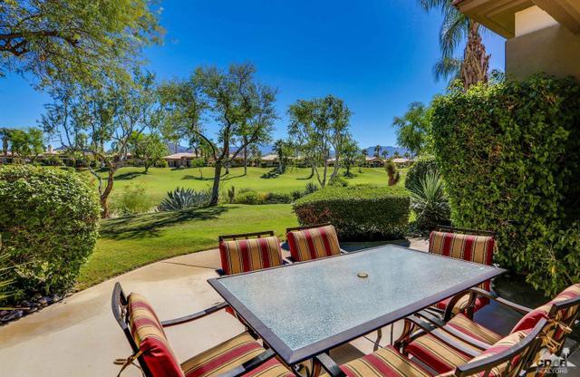 863 Mesa Grande Dr, Palm Desert, CA 92211