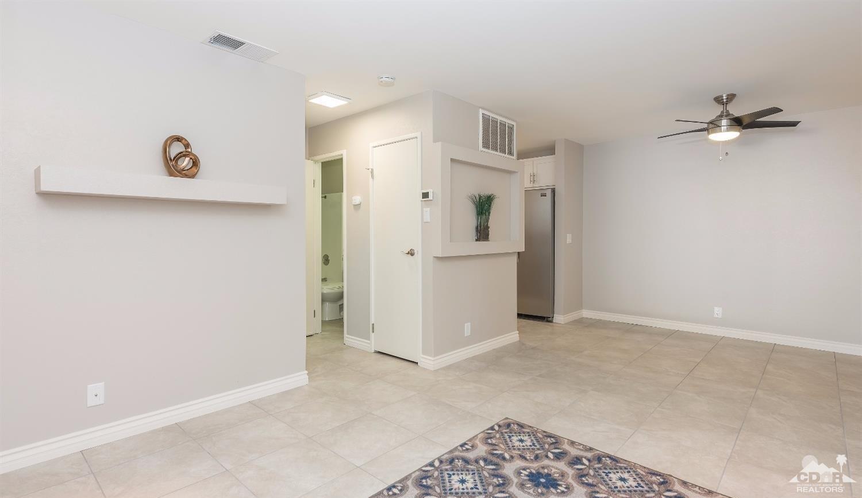 510 N Villa Court #106, Palm Springs, CA 92262