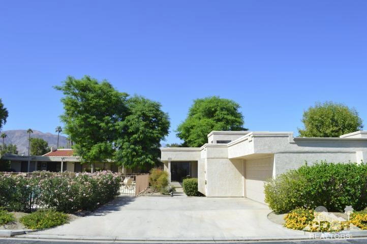 225 Via Reneca, Palm Desert, CA 92260