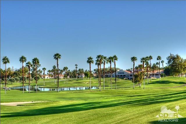344 Crest Lake Dr, Palm Desert, CA 92211