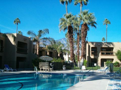 5300 E Waverly Dr #J11, Palm Springs, CA 92264