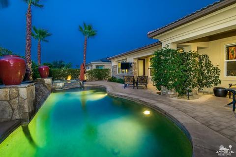 122 Brenna Ln, Palm Desert, CA 92211