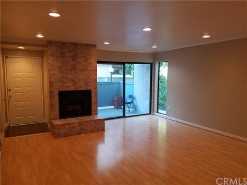 7869 Ventura Canyon Ave #201, Van Nuys, CA 91402