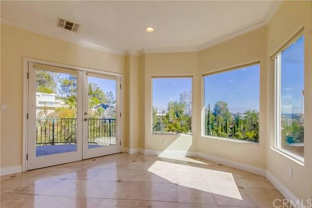4950 Medina Rd, Woodland Hills, CA 91364