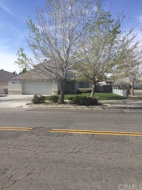 13298 Country Club Dr, Victorville, CA 92395