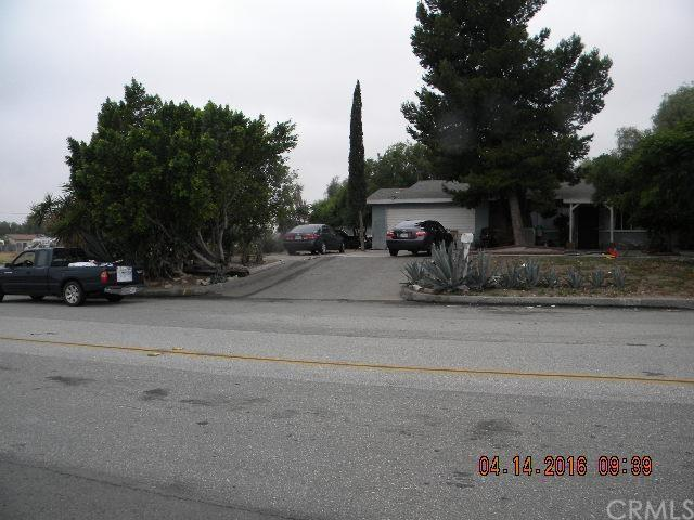 1294 Tamarind Ave, Rialto, CA 92376