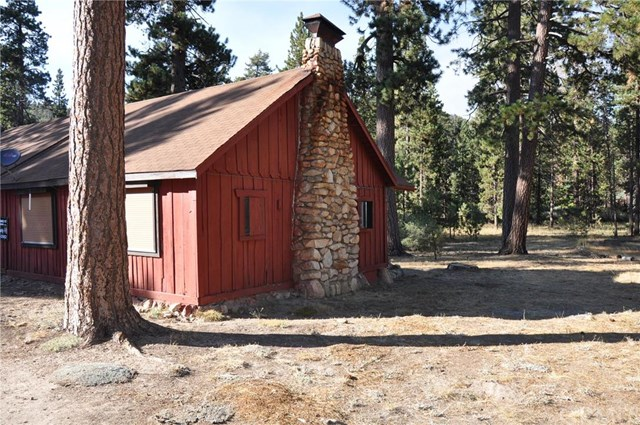 17 Snow Drop Lane, Running Springs Area, CA 92382