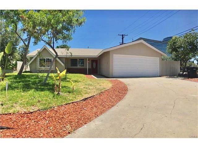 111 N Sunningdale Circle, Orange, CA 92868