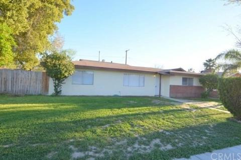 599 W Montrose Ave, Hemet, CA 92543