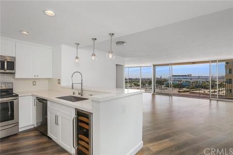 700 E Ocean Blvd #1208, Long Beach, CA 90802