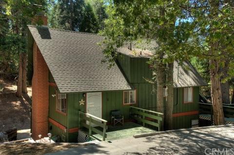 266 Cumberland Dr, Lake Arrowhead, CA 92352