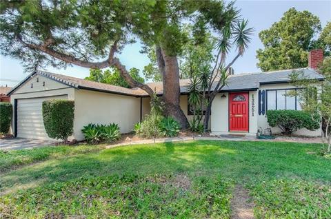 13251 Archwood St, Valley Glen, CA 91401