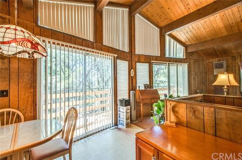 2756 Circle Dr, Running Springs Area, CA 92382