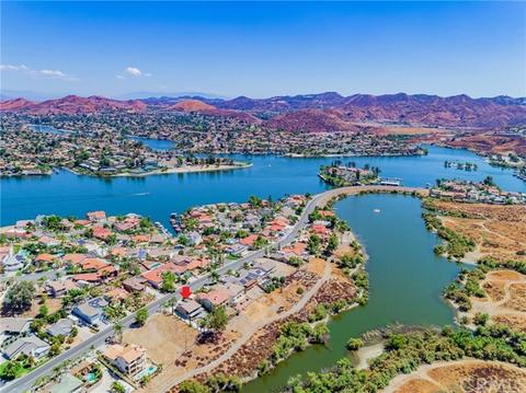 29689 Longhorn Dr, Canyon Lake, CA 92587