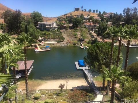 22084 San Joaquin Dr, Canyon Lake, CA 92587