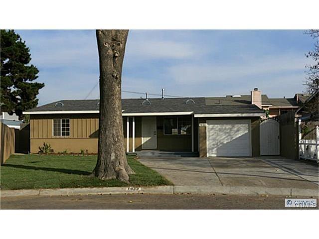 1433 S Gordon Pl, Santa Ana, CA 92704