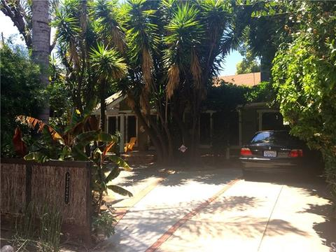 1327 N Fuller Ave, West Hollywood, CA 90046